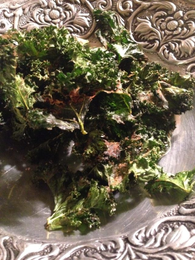 Pumpkin Pie Spiced Kale Chips