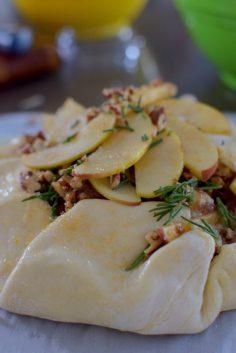 pecan-apple-cheddar-rosemary-galette-021