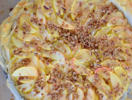 flaky-apple-pecan-tart-023