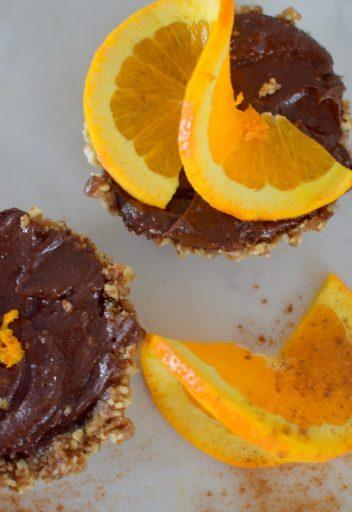 raw-orange-spiced-chocolate-tartlette-022