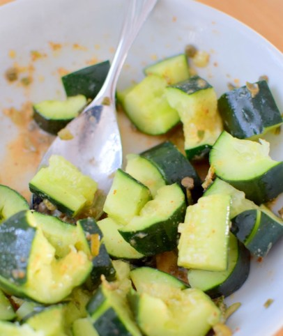 spicy-smashed-cucumber-pickle-salad-003