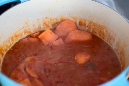 spicy-sweet-potato-tomato-soup-004