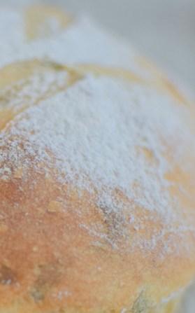Artisan Basil Bread & Lime Butter-008