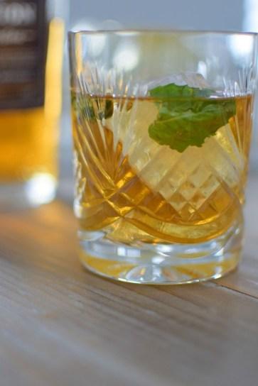 Basil Bourbon Creme-004
