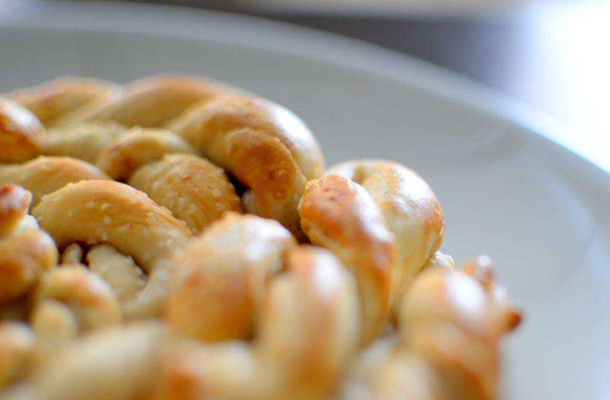 Pretzel Apple Pie-027