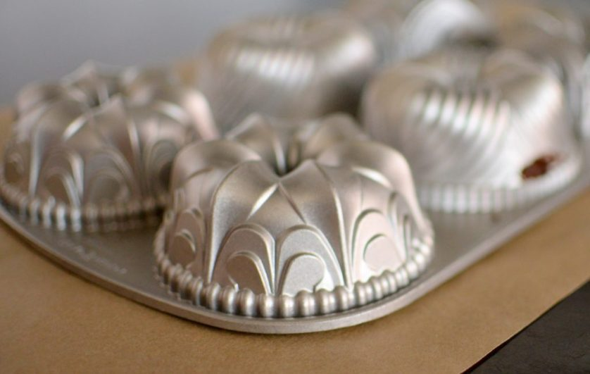 Chocolate Cola Cakes & Salted Peanut Butter Glaze-005