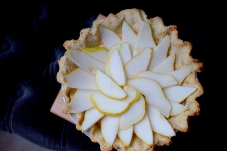 Salted Caramel Pear Cream Pie-008
