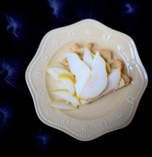 Salted Caramel Pear Cream Pie-016