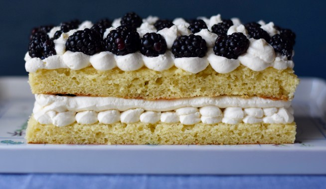 Lemon Blackberry Cake | Cravings & Crumbs
