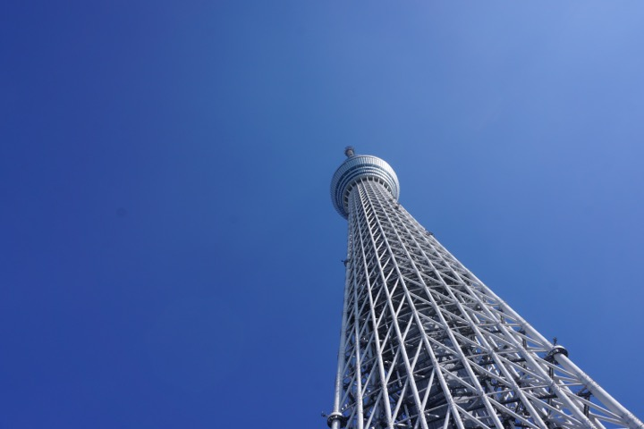 Looking up at the Skytree