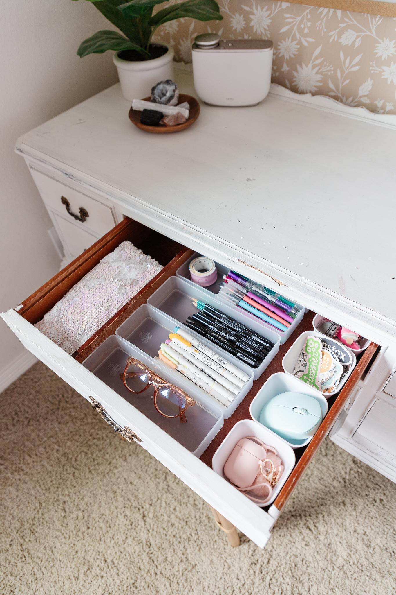 kid's desk organization