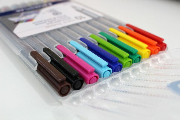 Staedtler pins are my favorite markers to use in my Erin Condren Life Planner. Click through to read more about my day planner or pin now and read later.