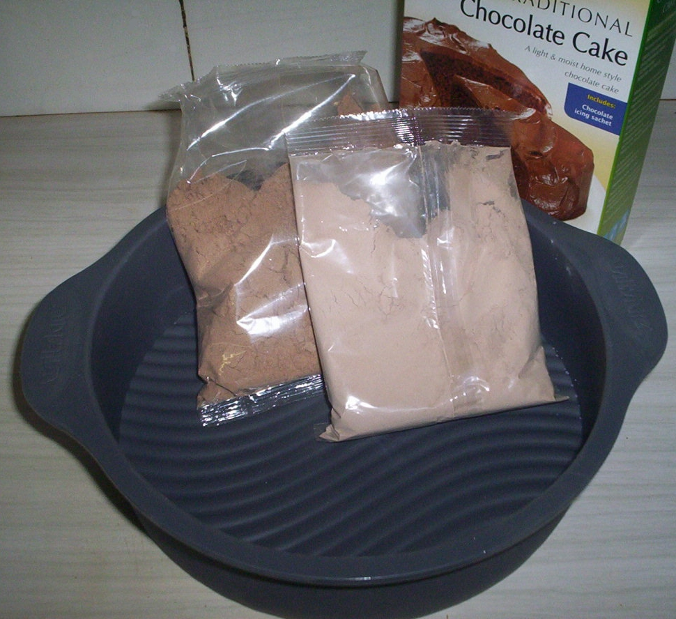 Cake_mix_in_plastic_packet_photo