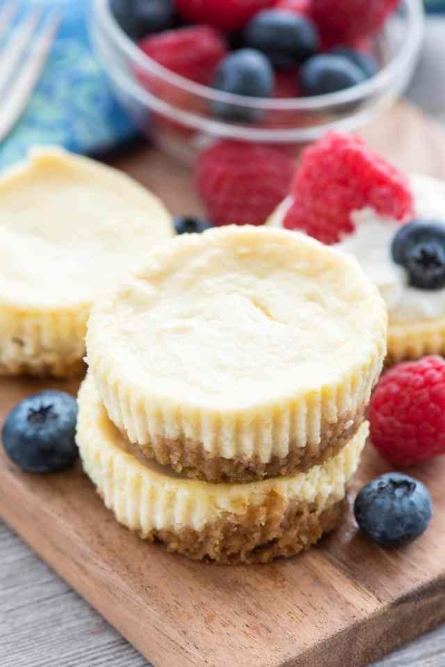 Easy Mini Cheesecake Recipe This Simple Makes 12 Perfect Cheesecakes And Can
