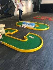 9 hole indoors setup