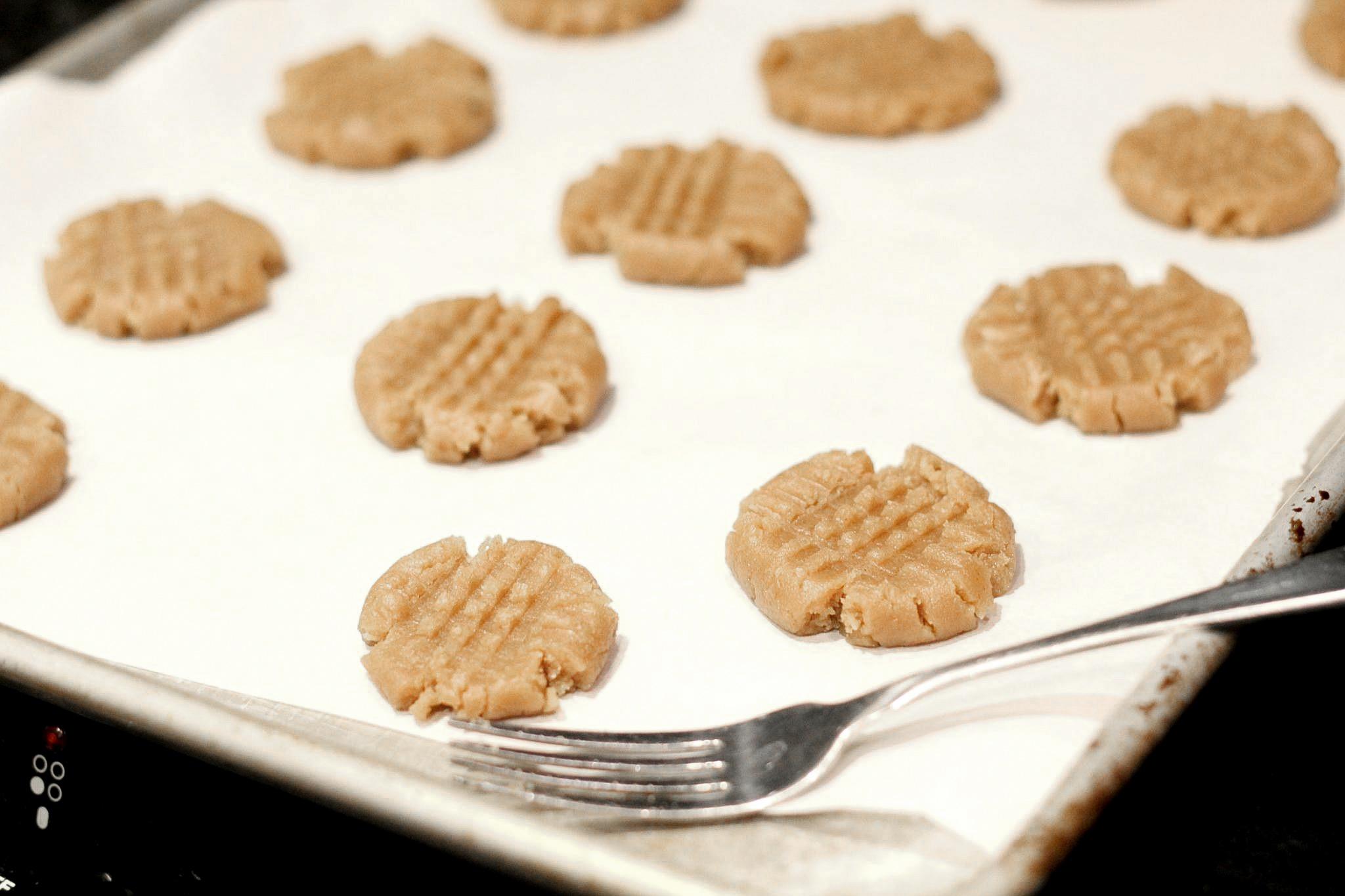 Easy Peanut Butter Cookies, The Best Peanut Butter Cookies, Cookie Exchange, Christmas Cookies, Soft Peanut Butter Cookie Recipe