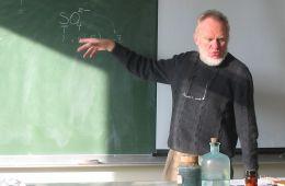 Im ładniejszy nauczyciel, tym skuteczniejsza nauka