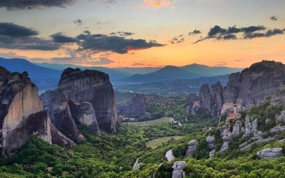 Why You Should Drop Everything & Visit Meteora