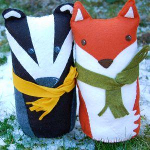 Badger and Fox Sewing Kit.-0