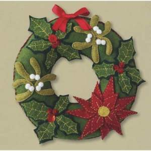 Woolfelt Christmas Wreath Sewing Kit-0