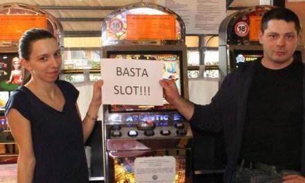 «Caffè più buono senza slot», primo bar a Seregno che rinuncia alle macchinette