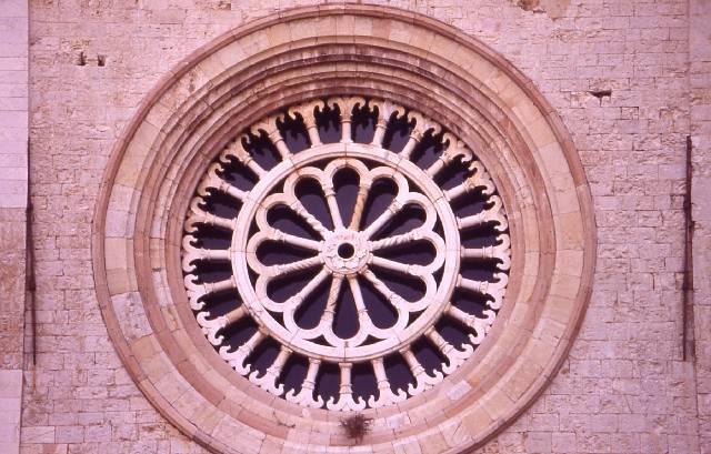 Assisi - Rosone chiesa di San Francesco