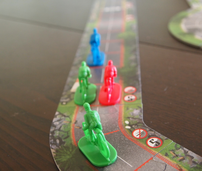 Flamme Rouge Review – Creaking Shelves