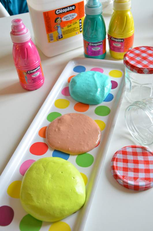 recette diy pour faire du fluffy slime avec les kids. Black Bedroom Furniture Sets. Home Design Ideas