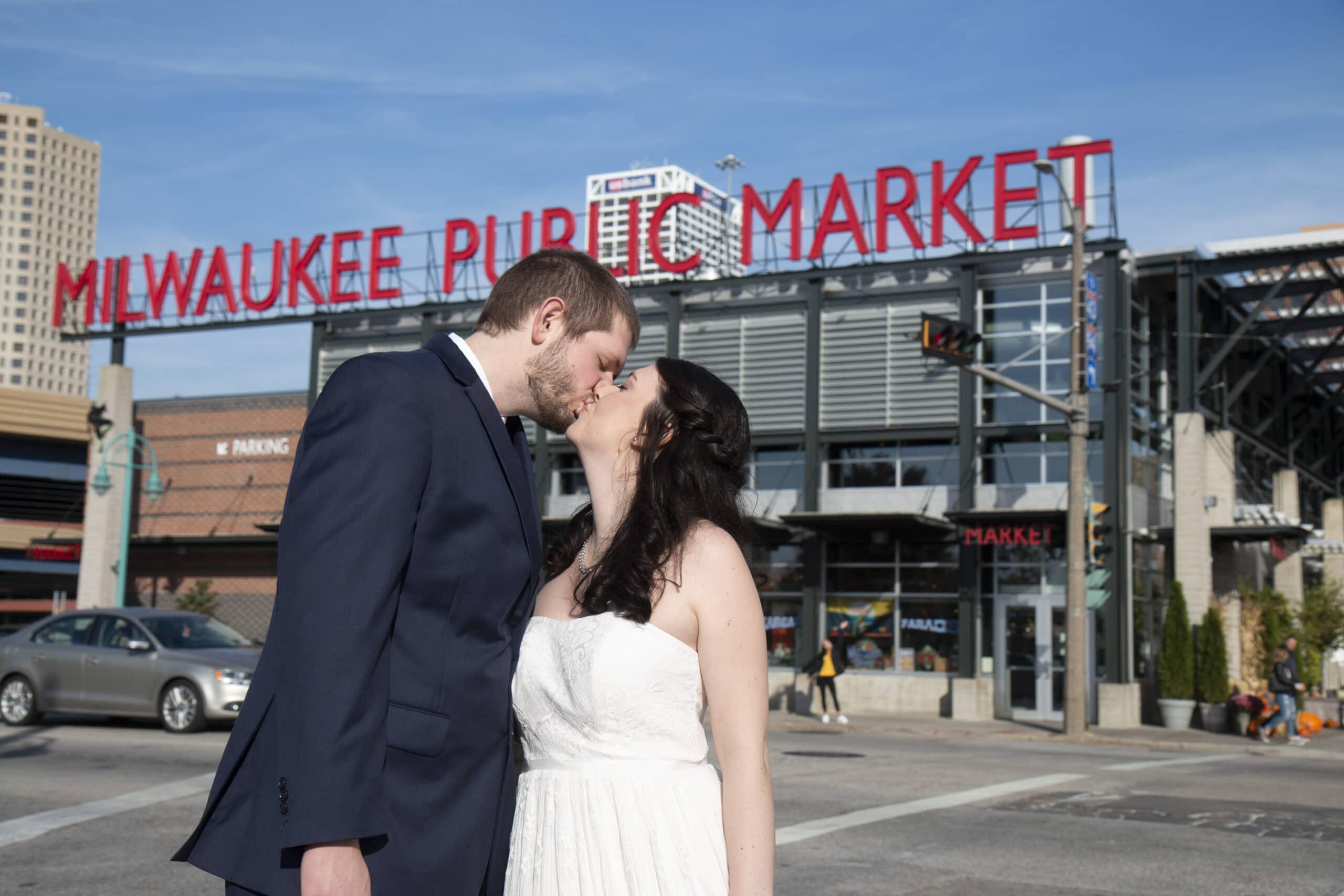 Bride Groom Outdoor Wedding Photographers