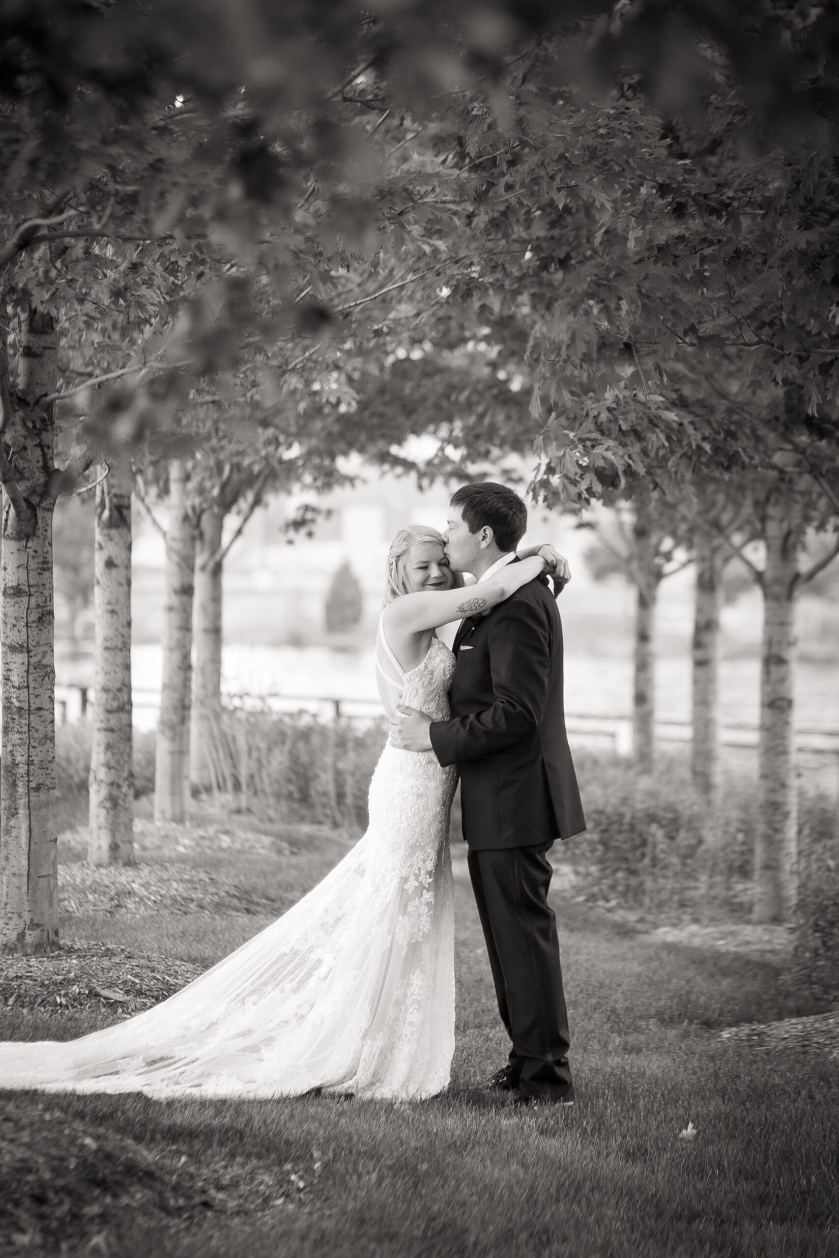 Milwaukee Garden Wedding Photographers