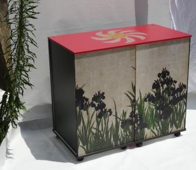 Bureau relooké avec impression quadri numérique avec motifs différents sur adhésif