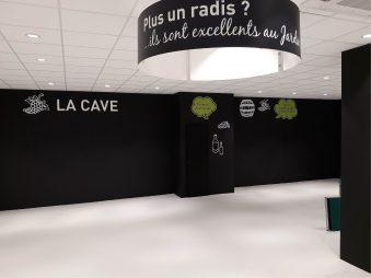 """Lettrage """"LA CAVE"""" découpé dans PVC 19mm blanc"""