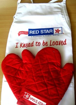 Red Star Yeast Prize - Apron & Oven Mitts