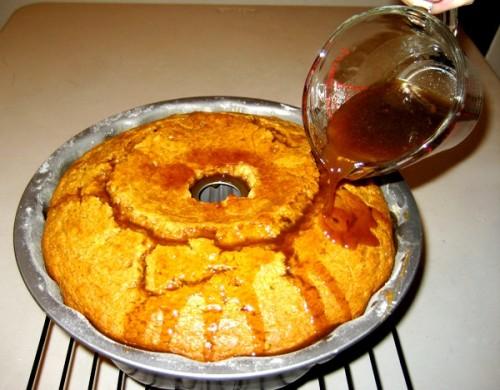 4-Pumpkin-Bundt-Cake-With-Vanilla-Butter-Sauce-For-Rent-Com-600-469