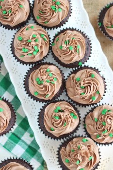 Guinness-chocolate-truffle-cupcakes-with-baileys-frosting