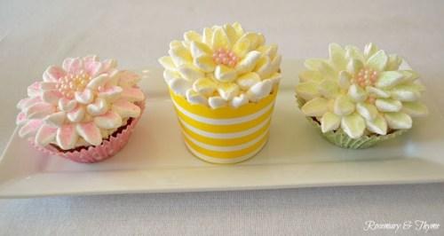 Marshnallow Flower Cupcakes