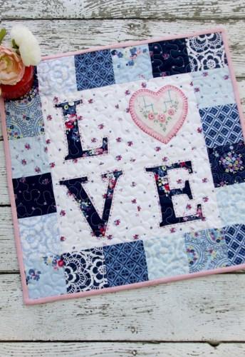 Floral-LOVE-Valentines-Mini-Quilt