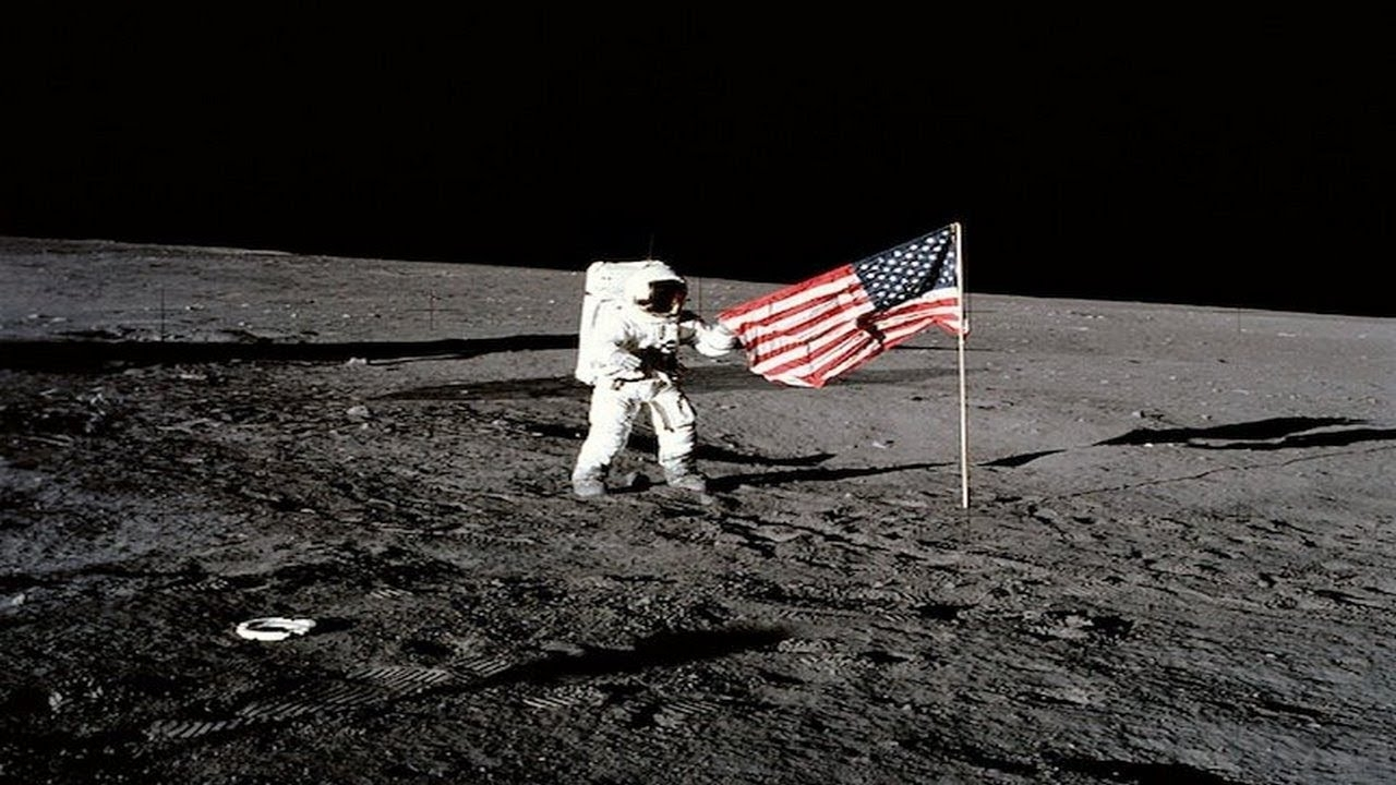 neil armstrong on the moon - 1280×720