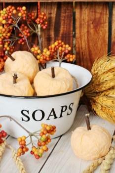 DIY-Pumpkin-Soaps