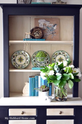 Hutch Decorating Ideas