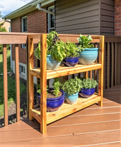 DIY Outdoor PLant Stand-