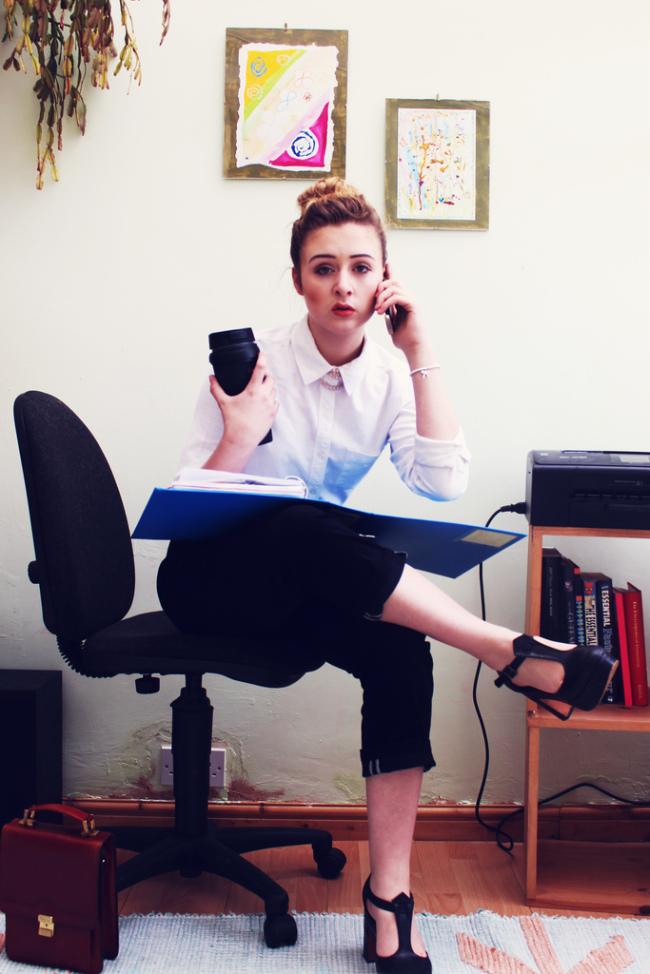imcreatordotcom - Ball Buster Business Woman AnnieAnniePancake
