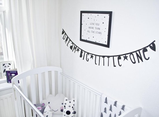 Maak je eigen letterslinger babykamer