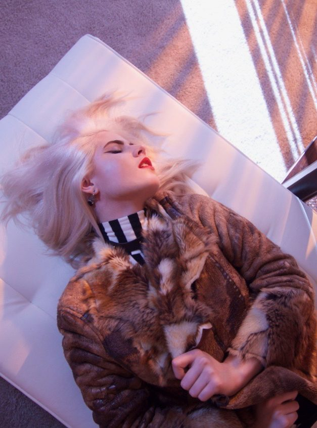Los Angeles Influencer - Old Hollywood Glamour - Faux Fur