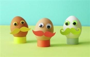 omuleti cu mustata - 17 modalitati creative de a decora ouale de Paste
