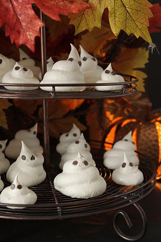 Meringue Ghost Cookies for Halloween