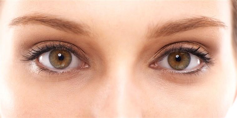 Prečo si pokožka okolo očí vyžaduje špeciálnu starostlivosť?