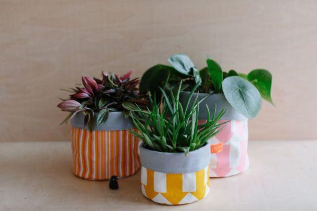 Potes de armazenamento de tecido por Laura Spring.  Crédito da imagem: CaroWeiss
