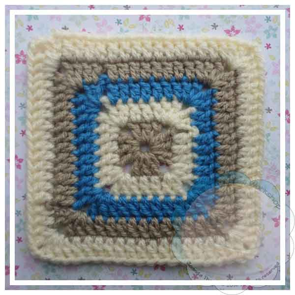 Ester's Tote In The Square Blue|Creative Crochet Workshop