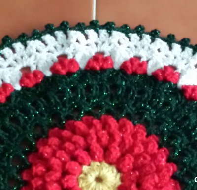 Berry Christmas Doily | Free Crochet Pattern | Creative Crochet Workshop | Linda Hinson Designs #2017HolidayBlogHop